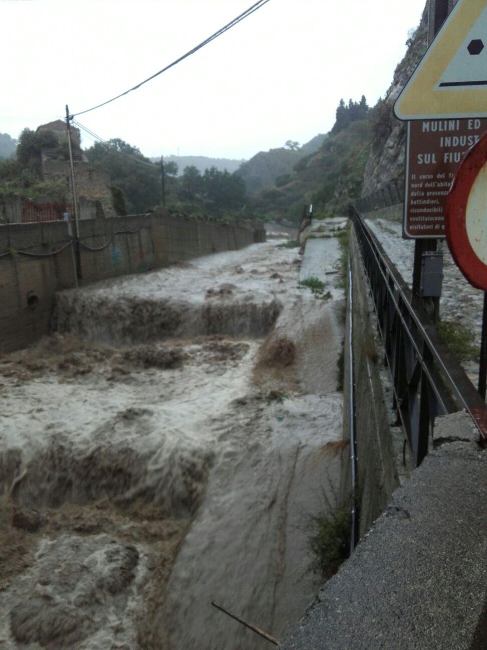 La Fiumara Gallizzi lato nord durante l'alluvione del 1 Novembre 2015