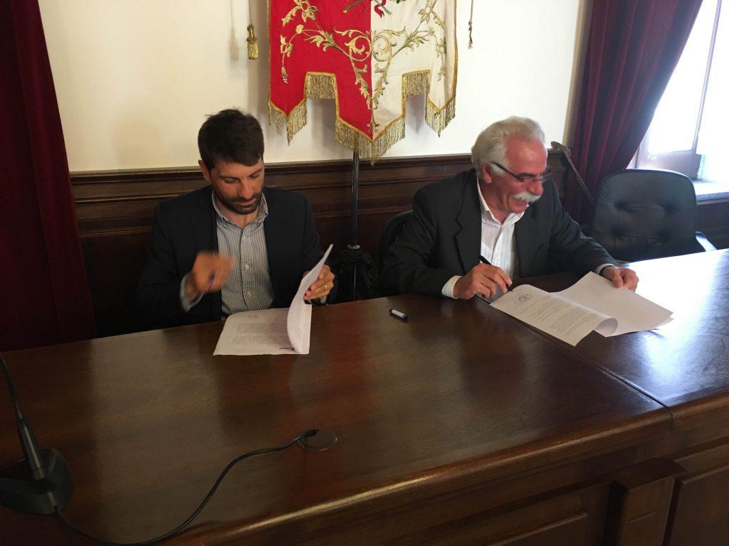 La firma del Protocollo d'Intesa