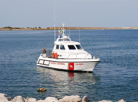Una motovedetta della Guardia Costiera.