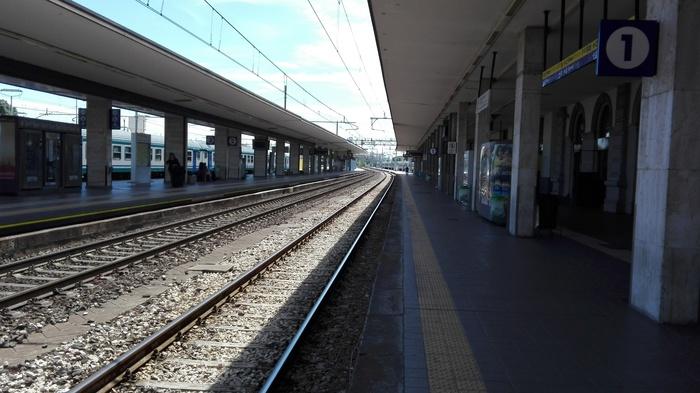 binari stazione
