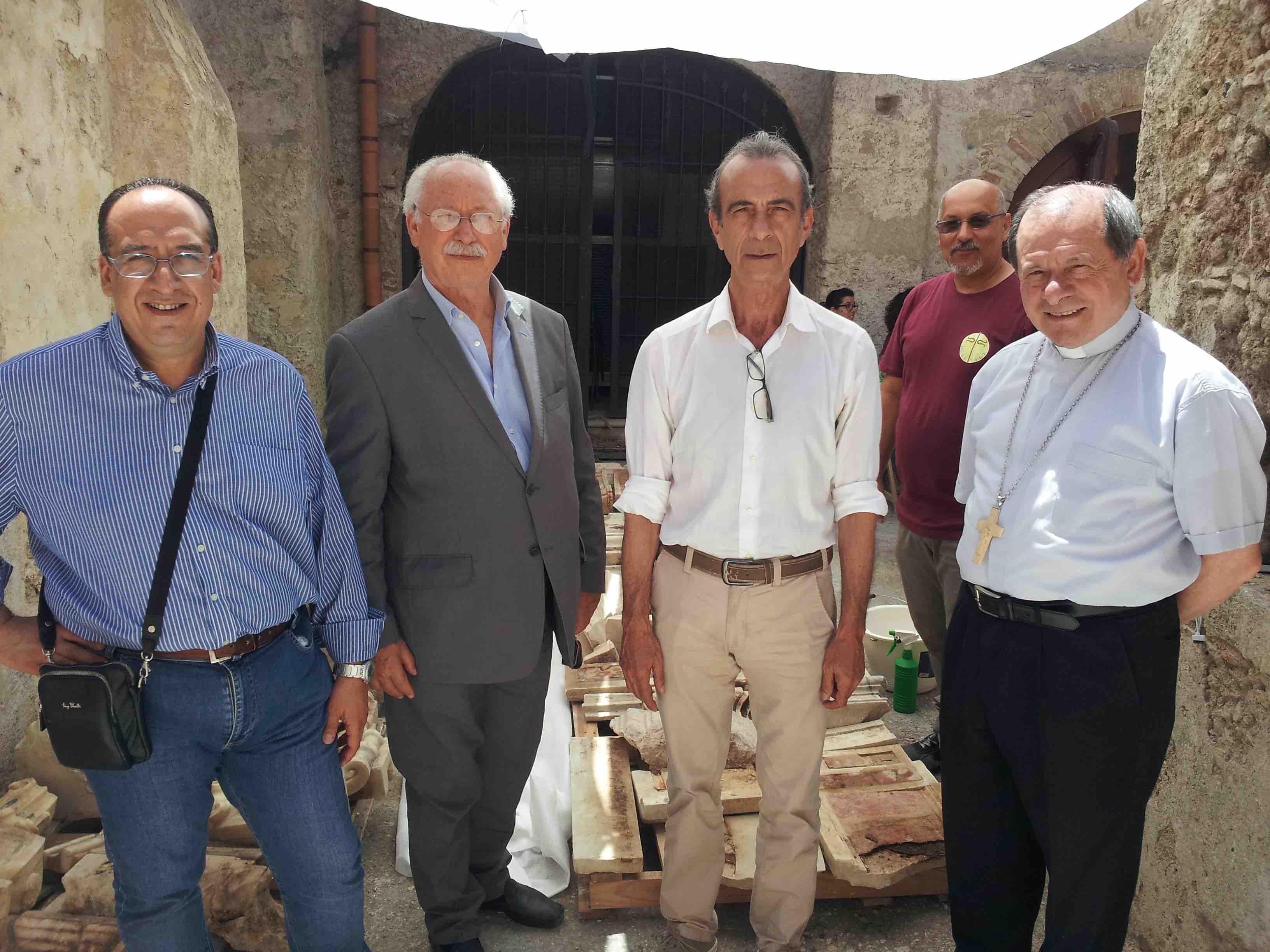 Il Sindaco Giuseppe Pezzimenti incontra il Vescovo della Diocesi di Locri-Gerace, S.E. Mons. Francesco Oliva