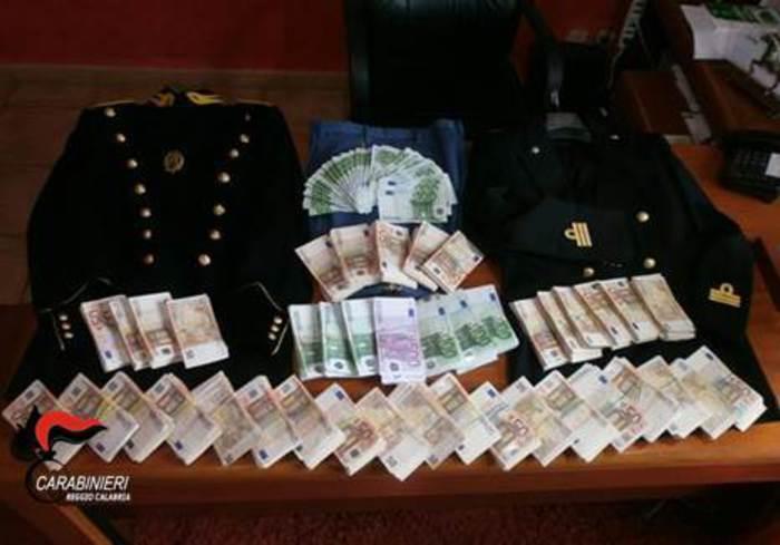 CC trovano denaro e divise Guardia finanza occultati a Feroleto della Chiesa