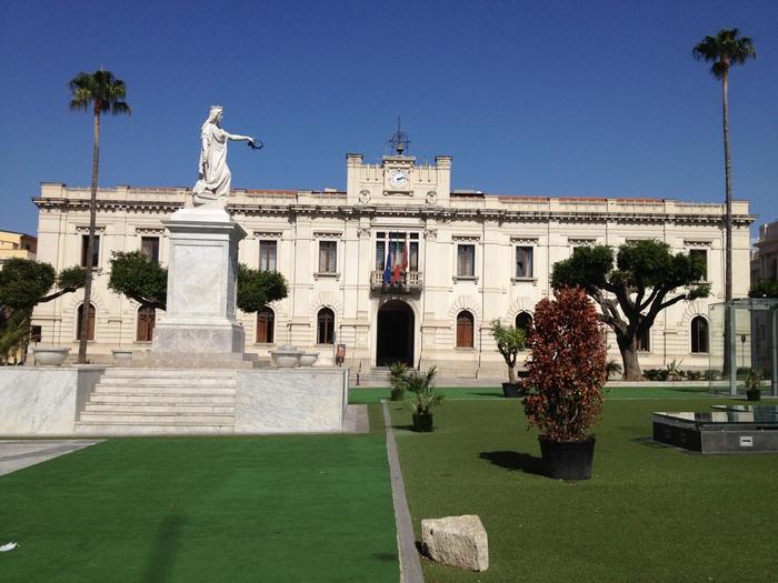 Reggio Calabria: palazzo San Giorgio sede del Comune