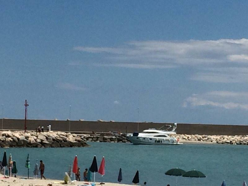 yacht porto roccella