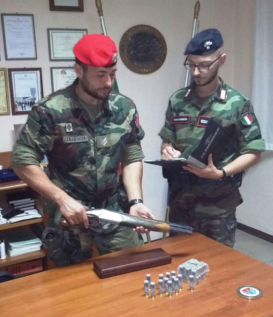 cacciatori-con-fucile carabinieri armi