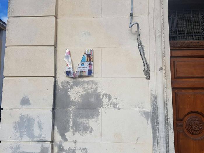 Foto Ansa  - Ignoti distruggono targa contro 'ndrangheta a Cessaniti