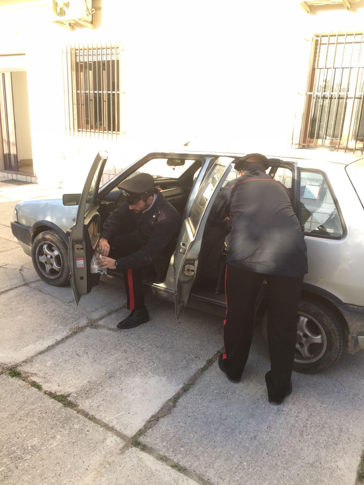 carabinieri perquisizione auto