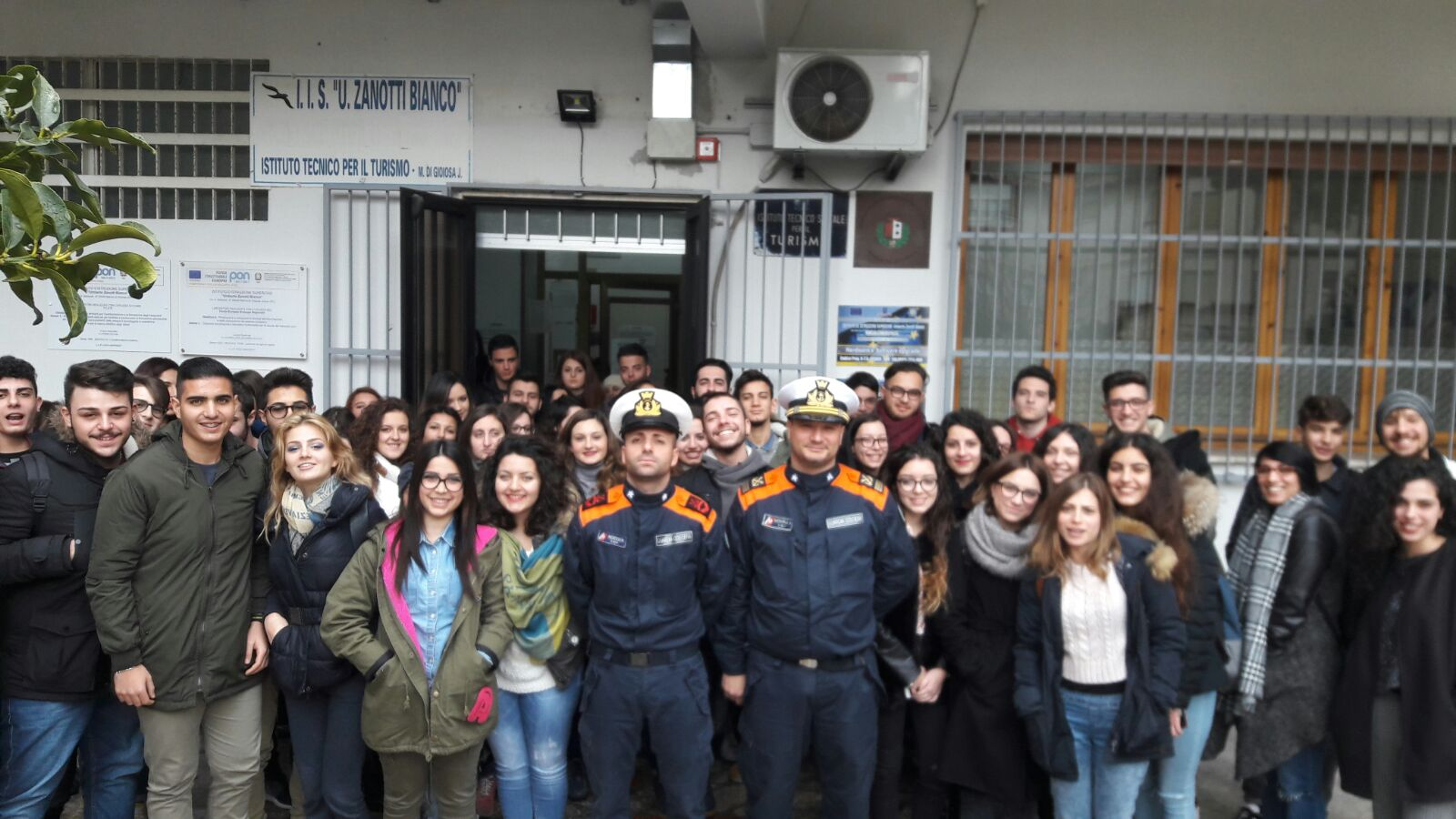 guardia costiera visita scuole locride