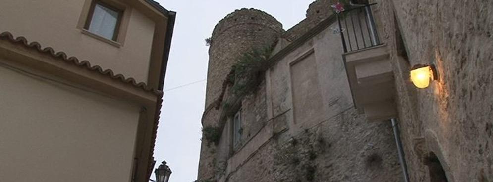 teatro al castello gioiosa ionica evidenza